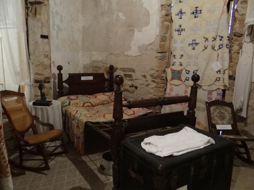 The Harney Mansion Vintage Bed