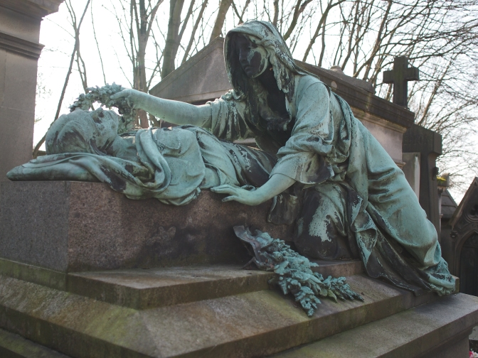 Flickering Lamps: Exploring the world's first (and most famous) garden cemetery: Père Lachaise